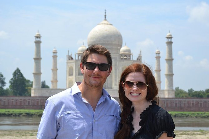 Private Tour: Same Day Taj Mahal Tour from Delhi with Lunch