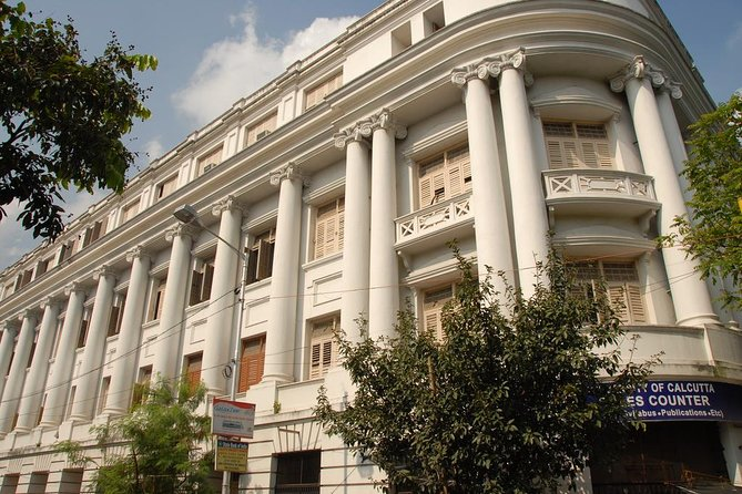 Path of Knowledge: A Heritage Walking Tour of Kolkata with Private Transfer
