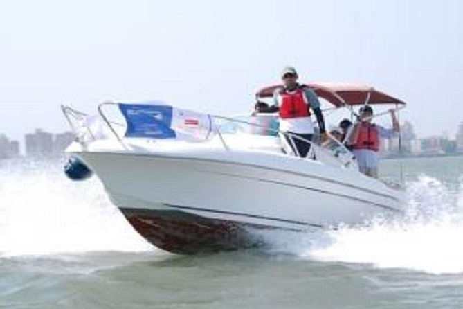 Private 2-Hour Beginner Power Boating Course In Mumbai Harbor