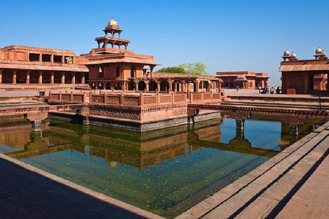 Private transfer - Jaipur to Agra via Fatehpur Sikri with lunch