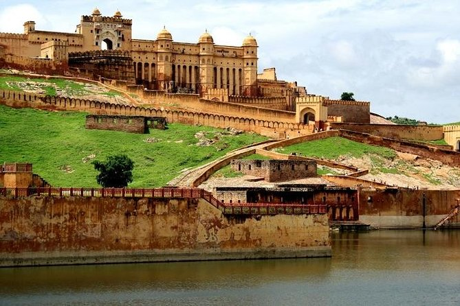 Jaipur Cycling Expedition with Visit to Amber Fort