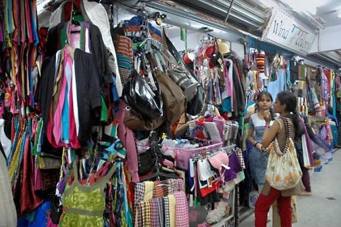 Private Bangalore Shopping Spree and Bazaar Stroll With Lunch