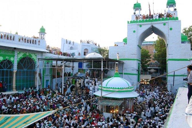 Escursione di un'intera giornata di due città sacre di diversa fede: Ajmer e Pushkar