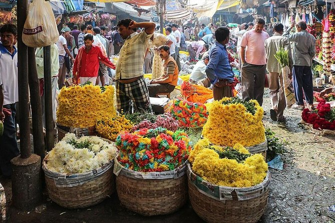 A Private Morning Walk Through Kolkata's Markets with Lunch