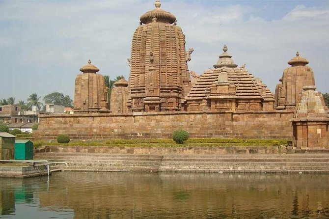 Bhubaneshwar Temple Tour with Private Transfer