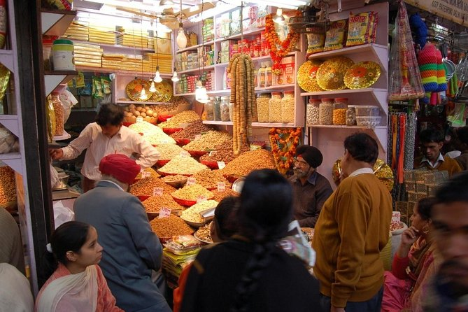 Private Custom Tour of Delhi's Markets with lunch