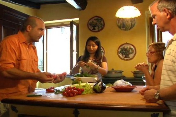 Small-Group Cooking Lesson in Roman Countryside photo 8