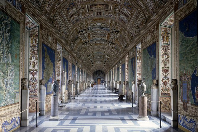 Exclusive First Entrance to Michelangelo's Sistine Chapel with Vatican Ticket