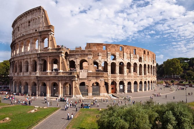 Colosseum, Roman Forum and Palatine Hill Skip the Line Tour with Meeting Point