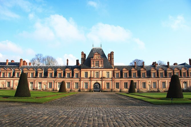 Fontainebleau Castle Private Half Day Trip & Guided Tour from Paris
