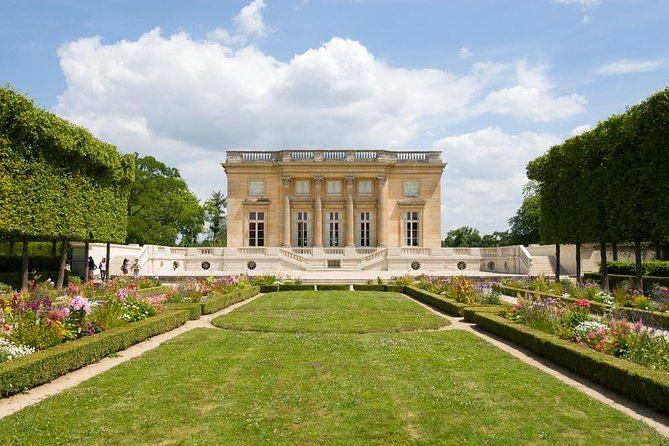 Best of Versailles Palace Private Day Tour including Lunch & Queen's Hamlet