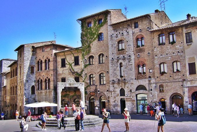 Small-Group Siena and San Gimignano with Dinner in a Boutique Winery