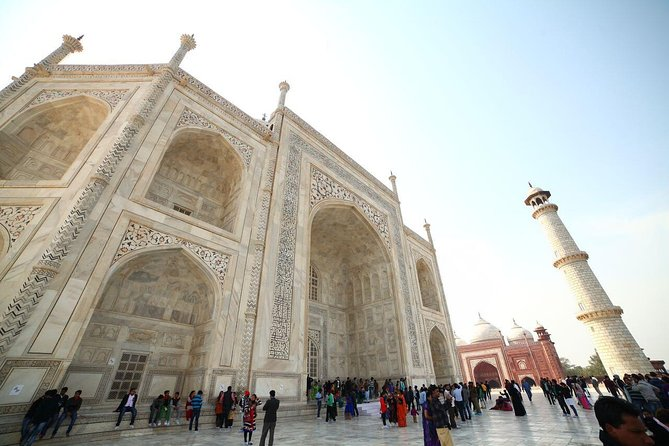 Small Group Day Trip from Delhi to Agra With Taj Mahal and Agra Fort