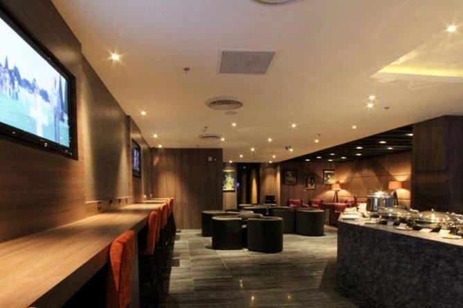 Indira Gandhi International Airport, Delhi, Plaza Premium Lounge (vertrek)