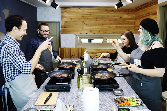 Small-Group Korean Cooking Class in Seoul