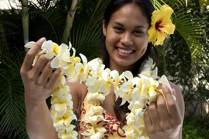 Traditional Airport Lei Greeting on Kahului Maui