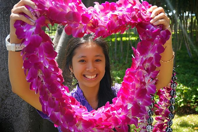 Honeymoon Airport Lei Greeting on Kona Hawai'i