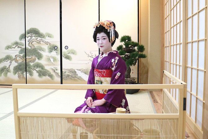 Geisha and Maiko Tea Ceremony in Osaka