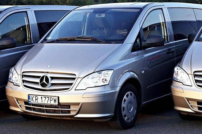 Economy private Warsaw Modlin airport transfer up 8 people