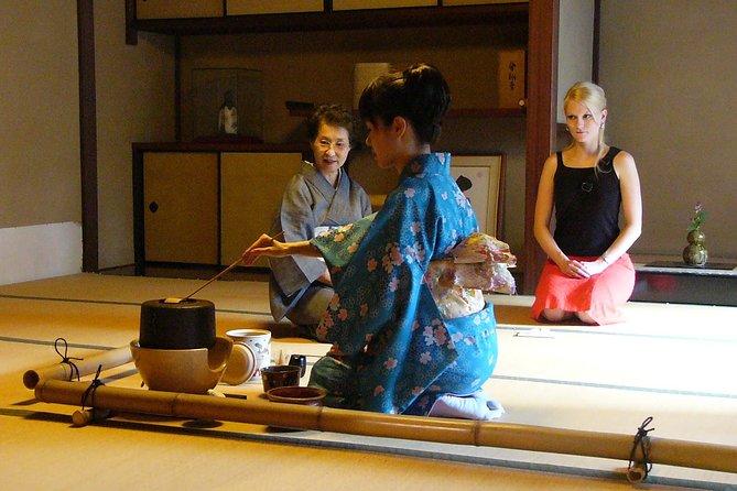 Japansk te ceremoni med en te mester på Wakwak-kan
