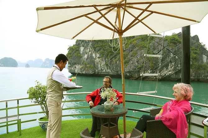 Full Day Halong Bay, Thien Cung Cave, Kayak & Lunch From Hanoi