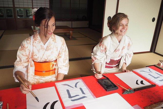 Combinación de actividades culturales en Miyajima: kimono, ceremonia del té, caligrafía, cocina