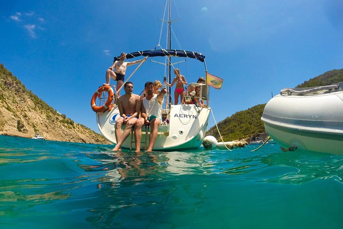 Small-Group Sail Trip in Barcelona with Paddle Boarding