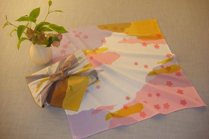 Tokyo Japanese Culture of Somemono: Dye a wrapping cloth using the Eco method