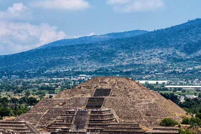 Mexico City Markets & Teotihuacan Pyramids