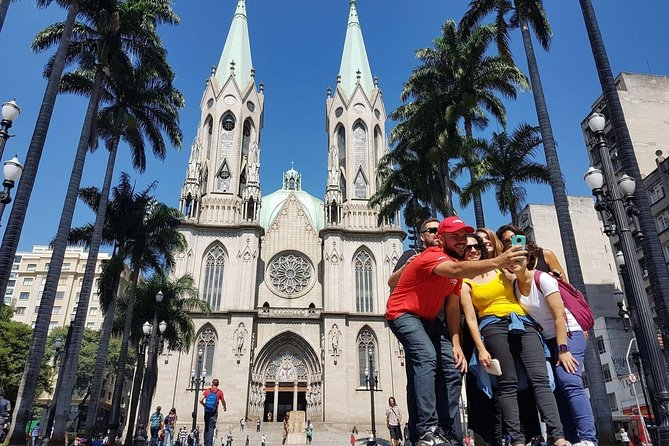 Sao Paulo: Sampa Downtown Discovery Cultural Walking Tour with Local Guide