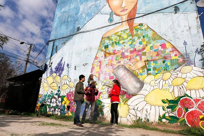 Small-Group Tour: Open Sky Street Art Museum Including a Chilean Traditional Meal in Santiago
