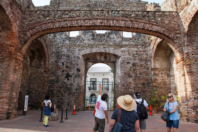 Panama City Sightseeing Tour Including Miraflores Locks