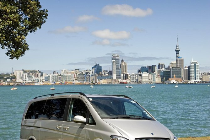 Auckland Shore Excursion: Maori Tour and Cultural Performance