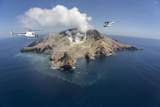 White Island Helicopter Flight and Volcano Walking Tour