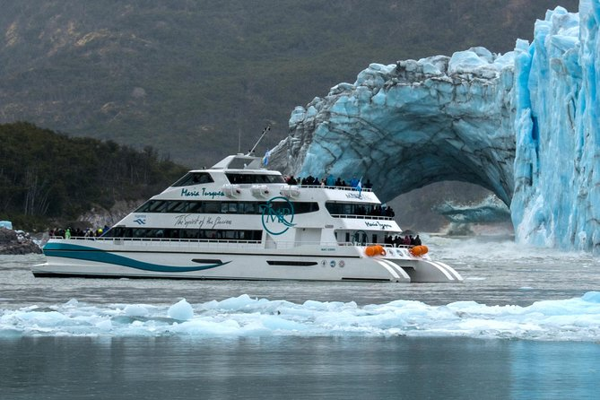 Cruzeiro turístico de dia inteiro pelas geleiras a bordo do