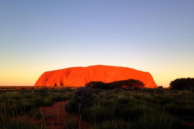 Small Group Uluru Sunset Viewing Tour image