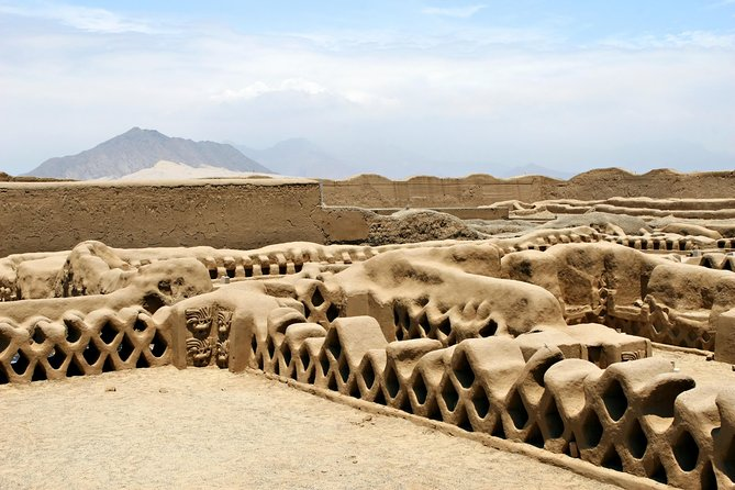 Excursión arqueológica desde Trujillo: Chan Chan, Huanchaco, Templos del Sol y de la Luna y Templo del Dragón