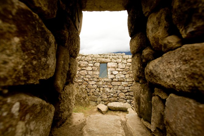 12 Day Highlights of Peru: Lima, Nazca, Colca, Titikaka, Cusco & Machu Picchu