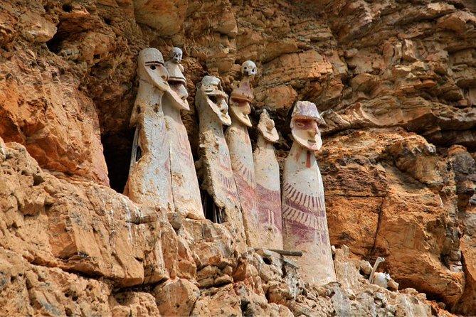 Excursión de día completo en los sarcófagos de Karajía y las cavernas de Quiocta desde Chachapoyas