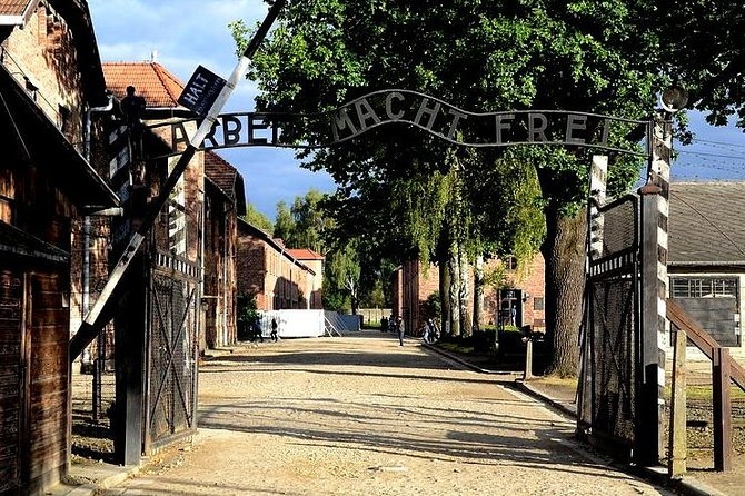 Auschwitz-Birkenau guided tour from Krakow with a private transport