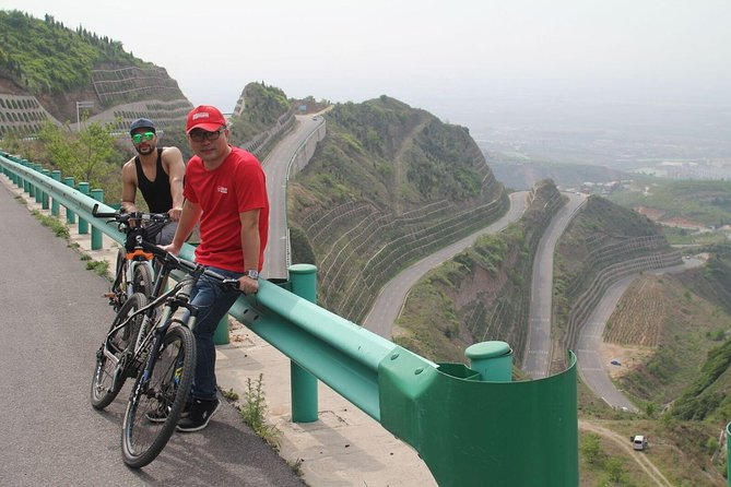 Terracotta Army and Lishan Mountain Private Tour by Bike