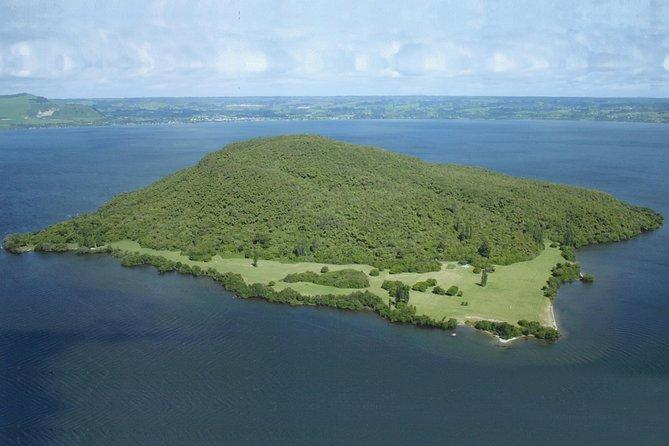 Katoa Jet & the Sacred Island Mokoia guided tour