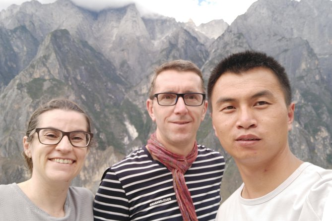 Two-day Tiger Leaping Gorge & Shangri-la Private Tour