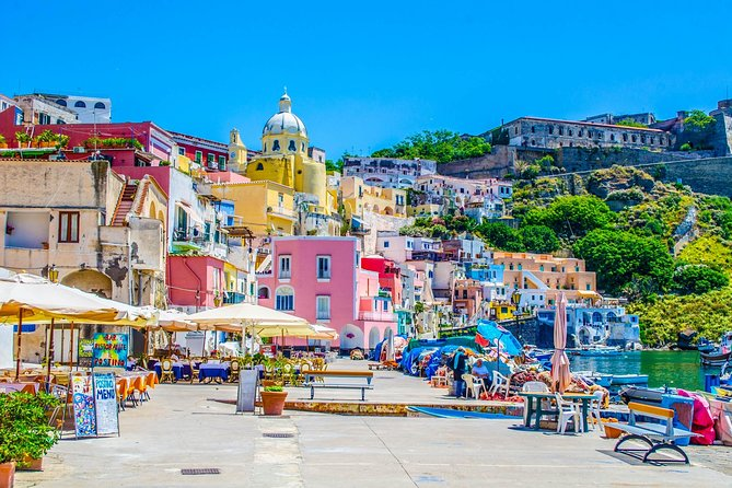 Procida Island: Day Trip with Lunch from Naples