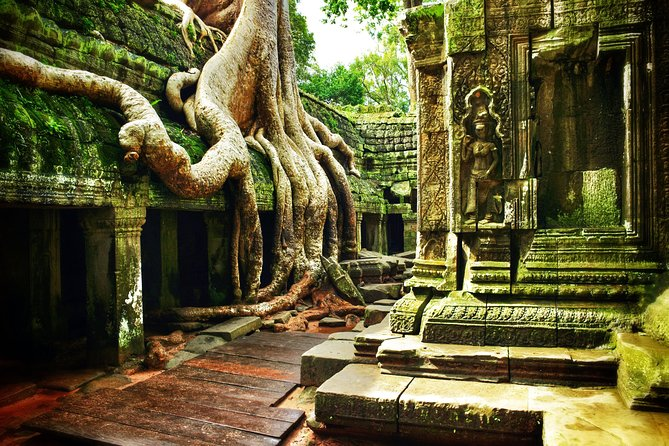 2 Days Private - Full Day of Angkor Small Group Tour & Kampong Phluk Rolus group
