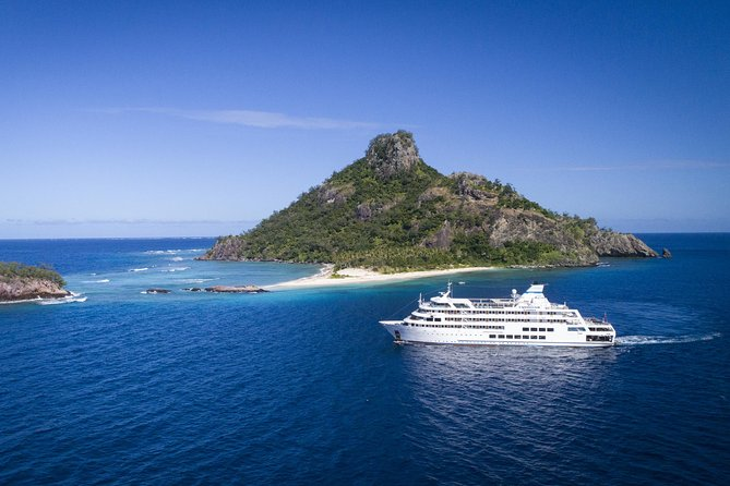 3-Night Fiji Island Cruise: Mamanuca and Southern Yasawa Islands photo 1