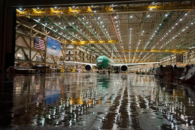 Seattle Combo Tour: City Tour, Pike Place Market and Boeing Factory