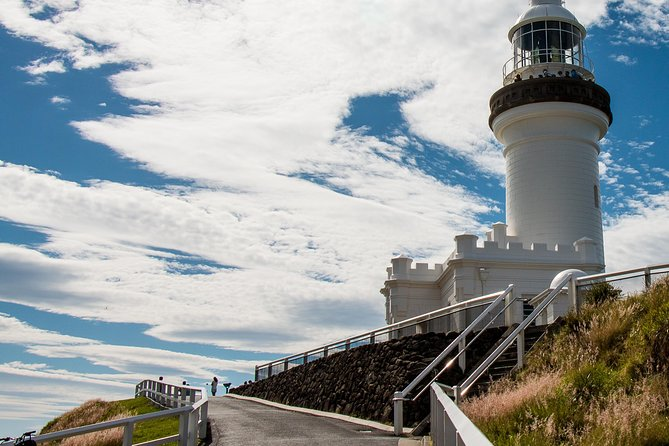 Full-Day Byron Bay and Crystal Castle Day Tour from Brisbane