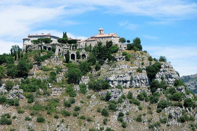 Grasse, Gourdon, Valbonne and Wine Tasting Full-day from Nice Small-Group Tour