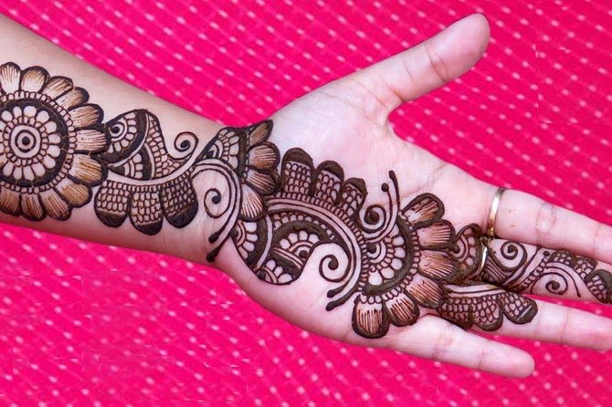 Henna Mehndi Session In Udaipur with Optional Transportation